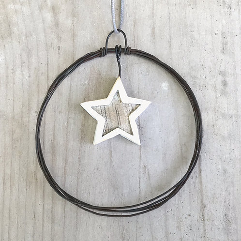 Sml hanging metal wreath-Star