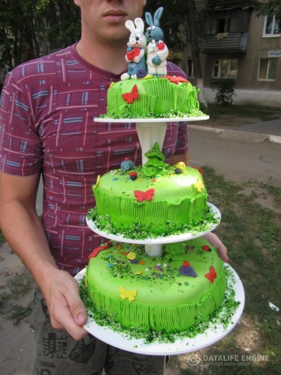 sbadebnie-torti-mnogo-yarus-125