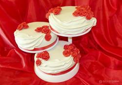 sbadebnie-torti-mnogo-yarus-150