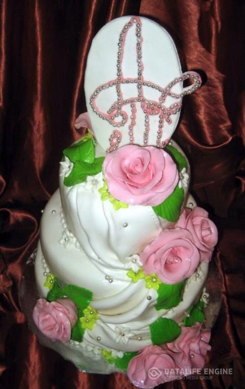 sbadebnie-torti-mnogo-yarus-17