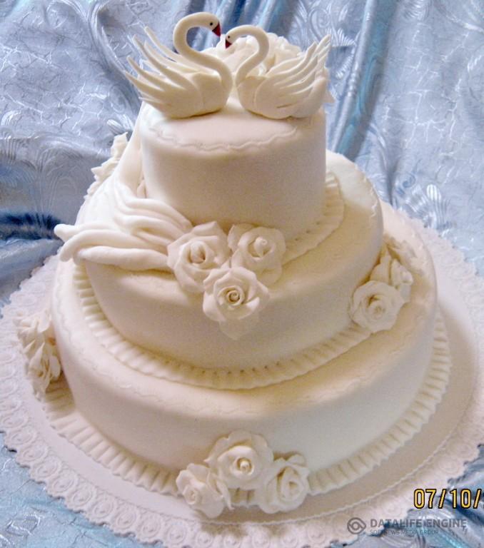 sbadebnie-torti-mnogo-yarus-300