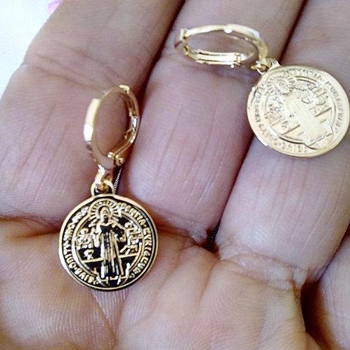 Brincos Pequenos Jesus Cristo (14mm.)