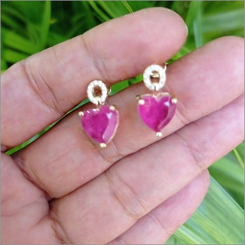 Brincos Pequenos Pedra Coração