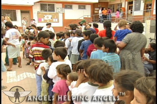 ANGELS+HELPING+ANGELS621_n.jpg