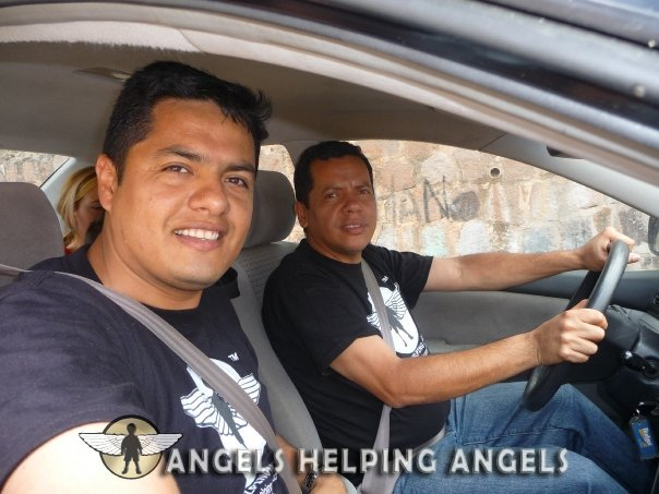 ANGELS+HELPING+ANGELS05_n.jpg