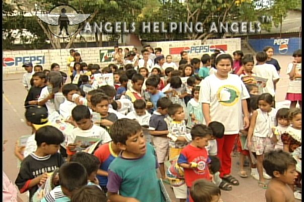 ANGELS+HELPING+ANGELS16_n.jpg