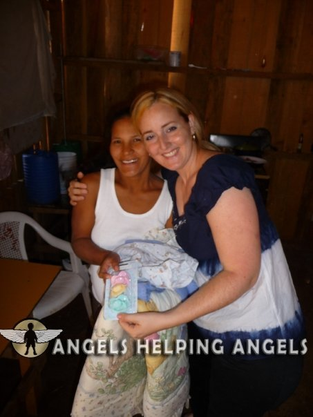 ANGELS+HELPING+ANGELS6919_n.jpg