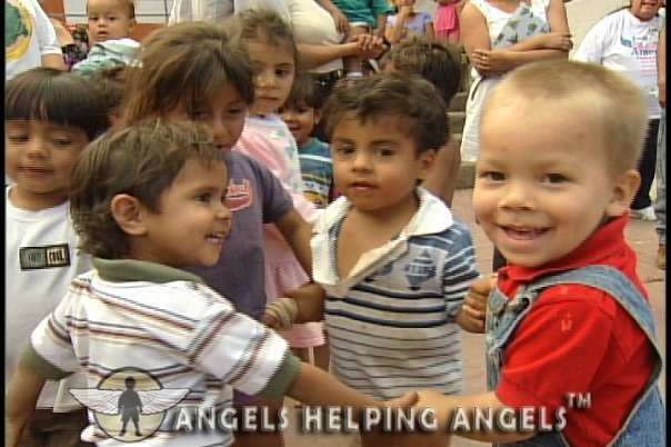 ANGELS+HELPING+ANGELS062_n.jpg