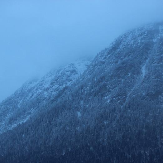 Kalter Winter außerhalb der Schmiede