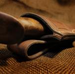 Jagdmesser mit Nussbaumholz
