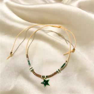 Bracelet fil de jade étoile vert - 14,90€