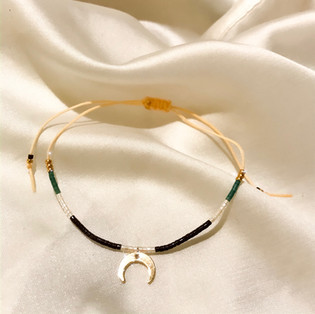 Bracelet fil de jade lune - 16,90€