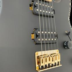 Black-STm24-Gold-7