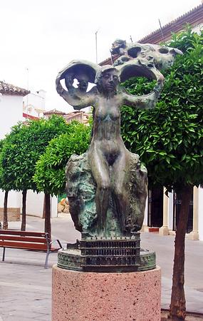Singulares-EsculturaTeatro.png