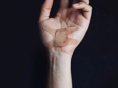 8 Steps For Moving Past Childhood Emotional Wounds as An Adult