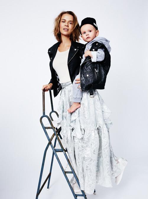 Mama   Editorial