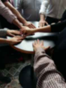 hands-1362848_1920.jpg