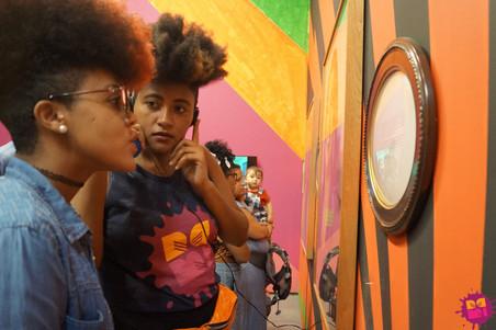 Convocatória para participantes do projeto #AfroGrafiteiras da Rede NAMI - Aplicação para bolsas de