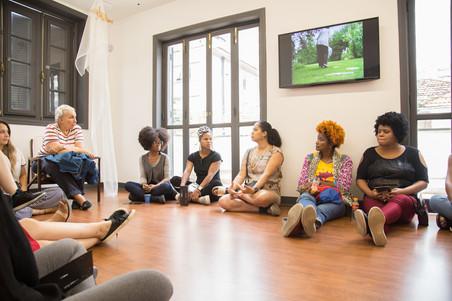 #InterNAMI: Visita à Galeria Athena  e conversa com Sonia Andrade