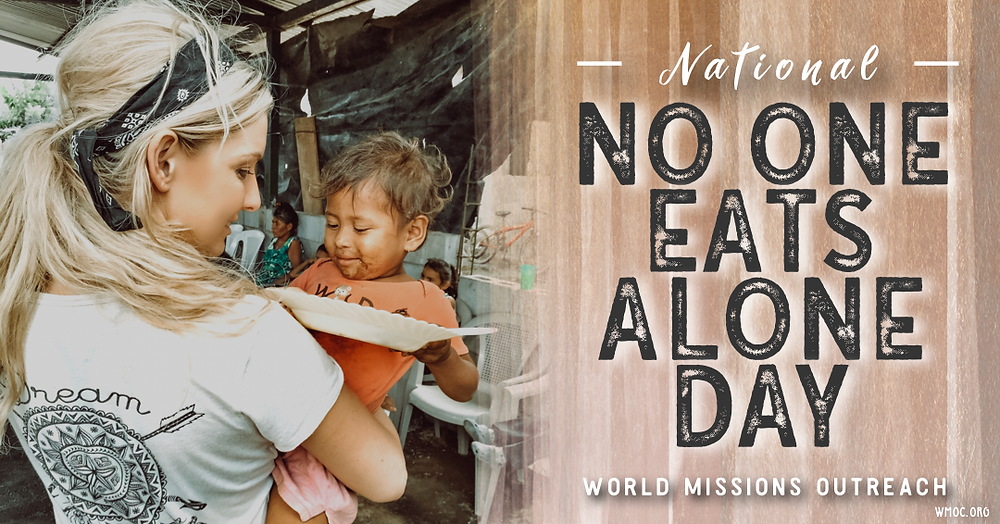 Amanda Sowards Humanitarian #NoOneEatsAloneDay