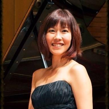 Akiko Trush - Piano