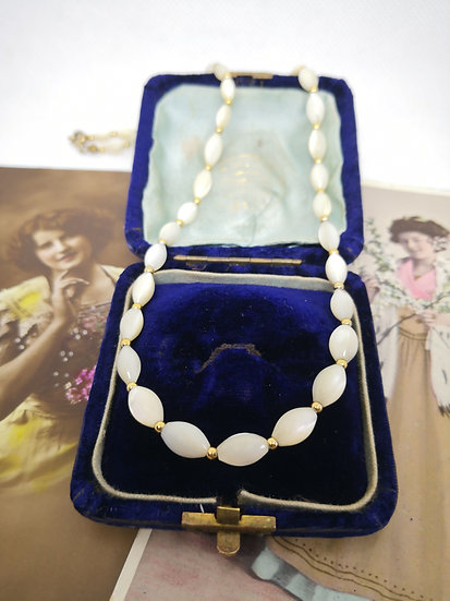 Beautiful Mother of Pearl Vintage Necklace