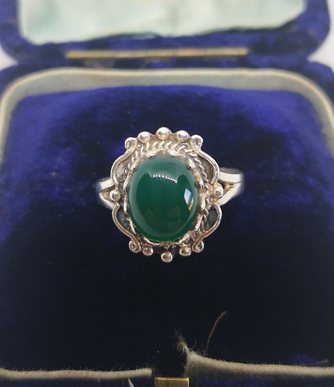 Silver and Chrysoprase Beautiful Ring