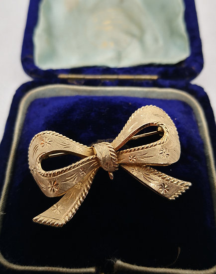 Stunning 9ct Gold Bow Brooch