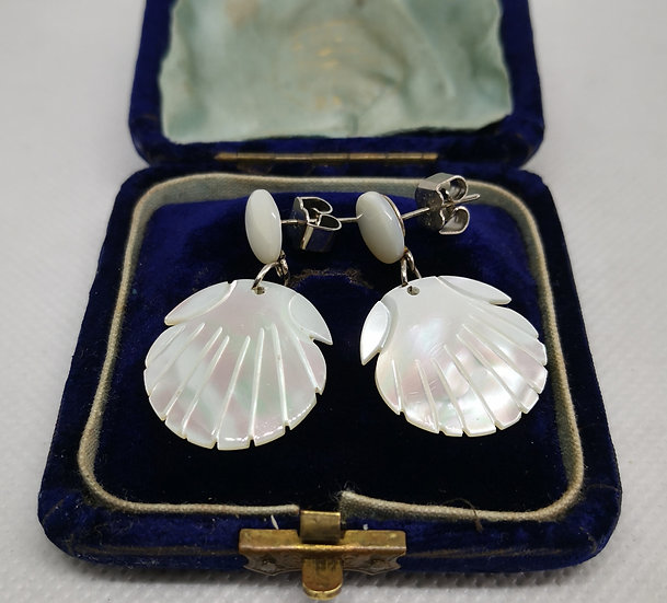 Vintage Mother of Pearl 1960s Shell Drops