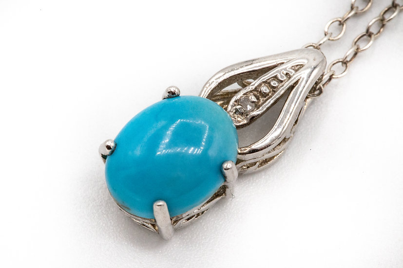 Beautiful  Sterling Silver Turquoise and Diamond Dainty Necklace