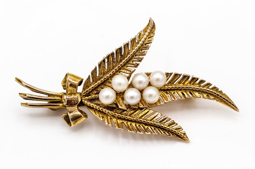 9ct Gold and Cultured Pearl Brooch