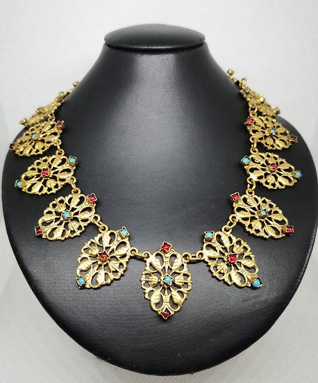 Vintage Fabulous Gold Tone Necklace