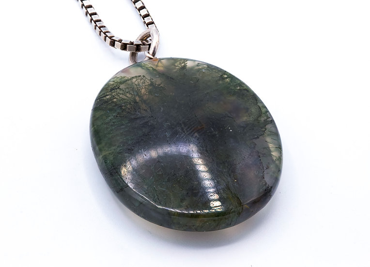 Gorgeous Moss Agate Pendant on Silver Box Chain