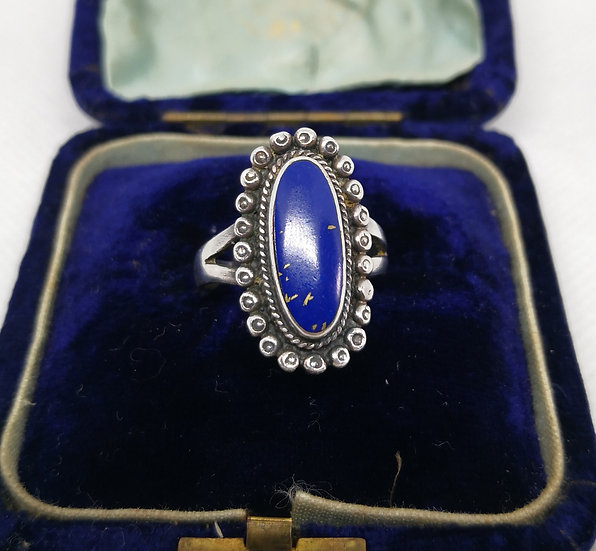 Beautiful Silver and Lapis Lazuli Large Ring