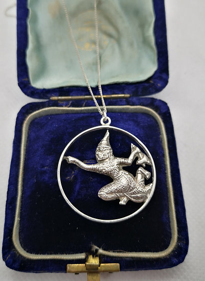 Sterling Silver Vintage Siam Pendant and Chain