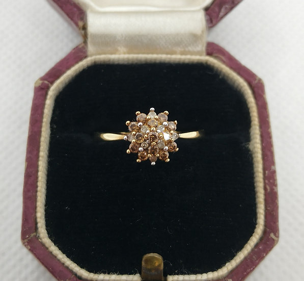 Beautiful 9ct Gold and Champagne Diamond Ring