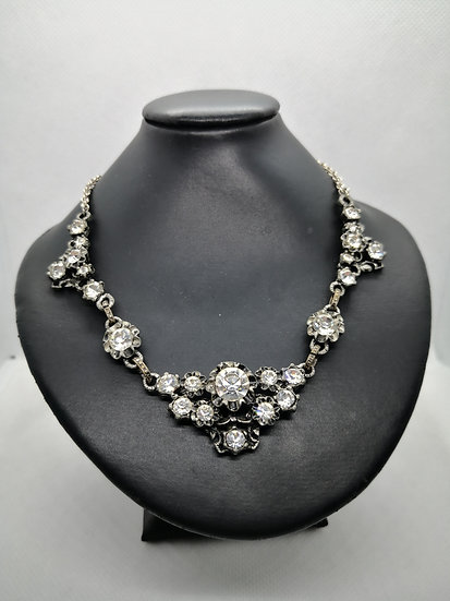 Sparkly Miracle Costume Antique Style Necklace