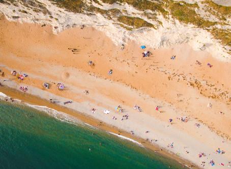 Dit zijn de goedkoopste en duurste stranden ter wereld