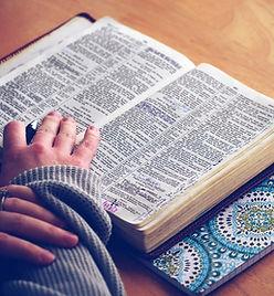 ecrire sur une bible.jpg