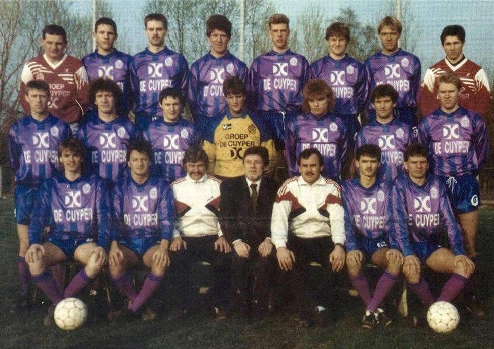 1989-1990 kampioen 1ste provinciale.jpg