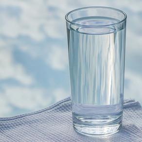 Boire de l'eau chaude le matin ?
