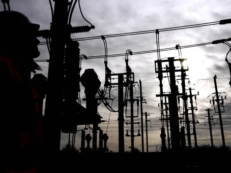 Energy price cap will remain, energy firms and government agree in crisis talks