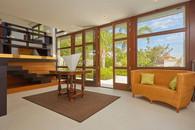 Tra il soggiorno ed il giardino interno