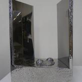 世の中に落ちる   Fall in the world   2009  stainless steel   h 65×43×28cm.jpg