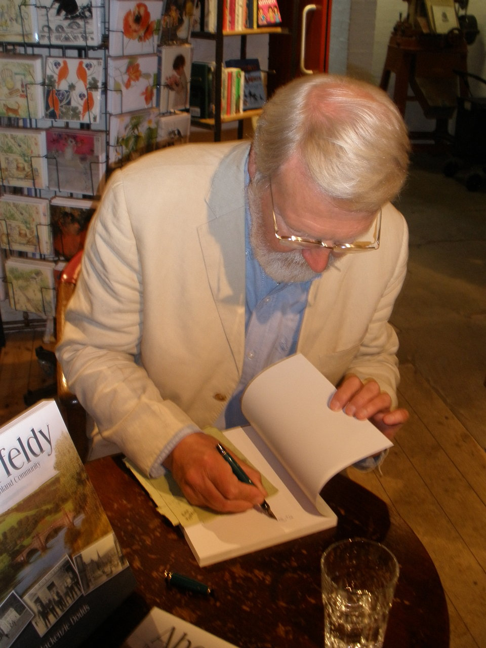 Ruary signing books 9-7-10