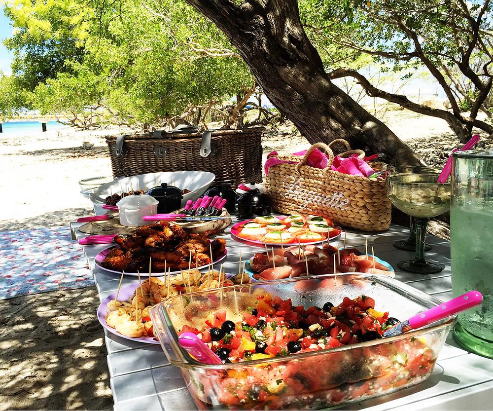 XpBonaire, IslandLife, Bonaire, feature Story, island people, Monique's Kitchen, Beach Picnics