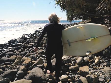 Surfer à 70 ans
