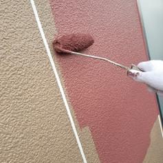 外壁のシリコン中塗り