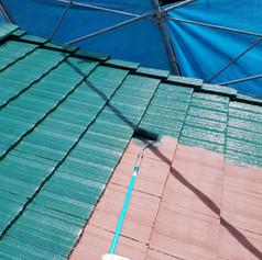 屋根のシリコン中塗り