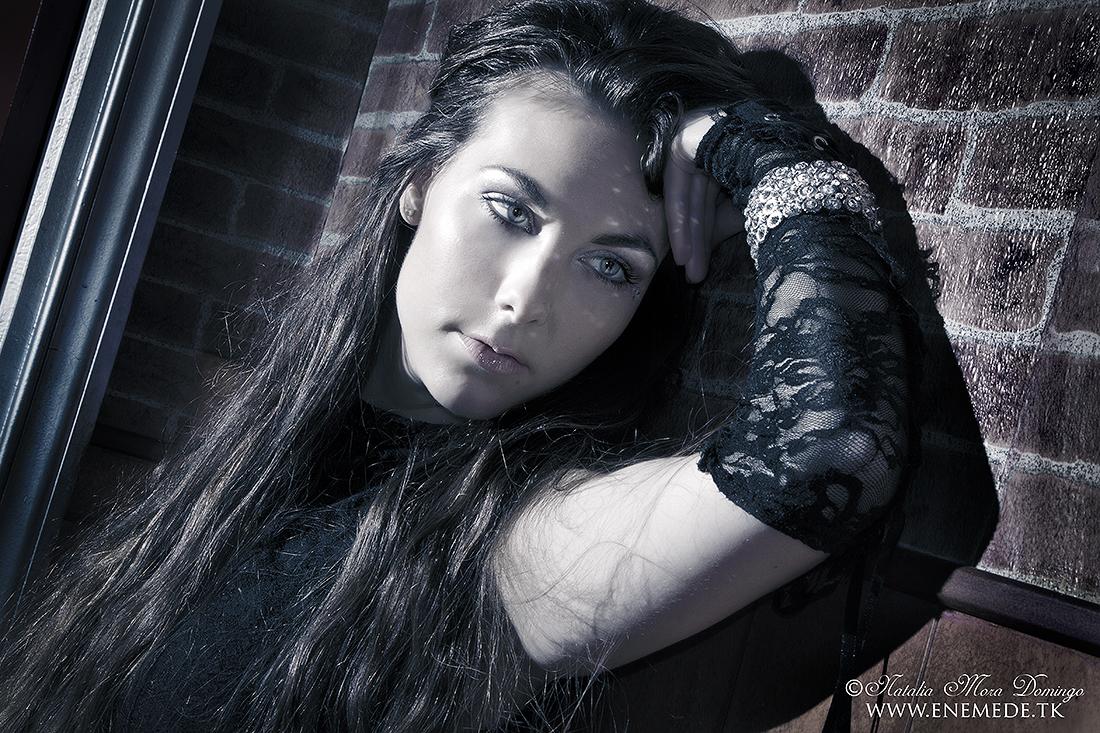 Elize Ryd (Amaranthe) 2012